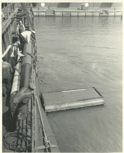 br8dUSACE DREDGE RARITAN LIFE RAFT TEST FORT MIFFLIN 1925-5