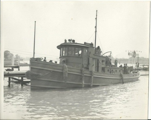 bt1aUSACE TENDER TUG CHESTER (2)